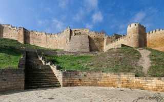 Оборонительные сооружения Дербента, крепостные стены, башни