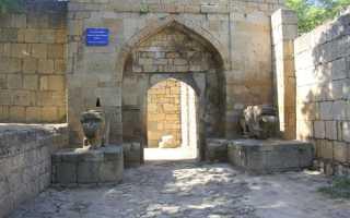 Гражданские сооружения внутри крепостных стен Дербентской крепости