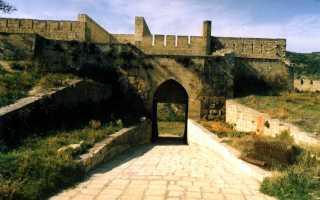 Западные ворота (VI век) горные ворота цитадели