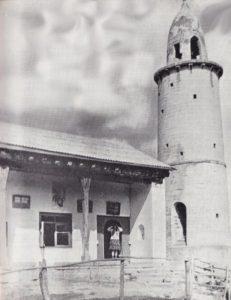 Мечеть и минарет в ауле Джули