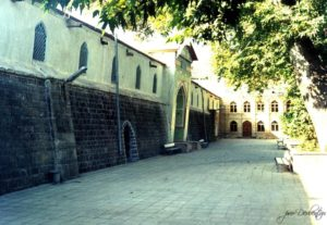 Джума мечеть внутренний двор