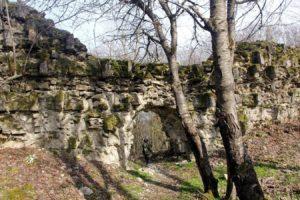 Стена форта Джалган, вид изнутри