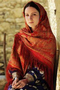 Красивая кавказская девушка