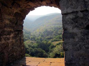 Окно над воротами