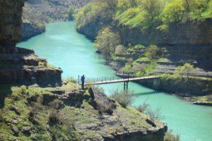Мостик через реку Сулак