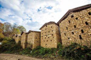 Табасаранское село, сеновал